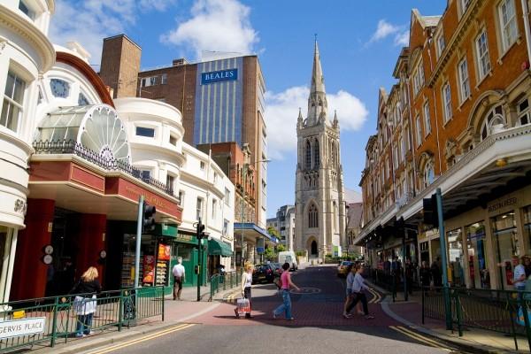 Pasea por el centro de Bournemouth