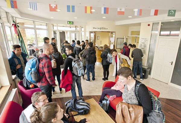 Ambiente internacional en la escuela de Galway