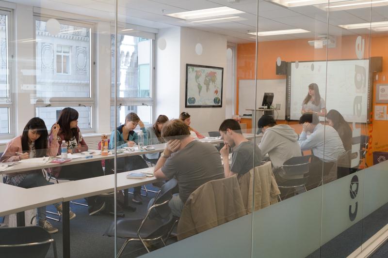 Aprende inglés en un curso en San Francisco, Estados Unidos