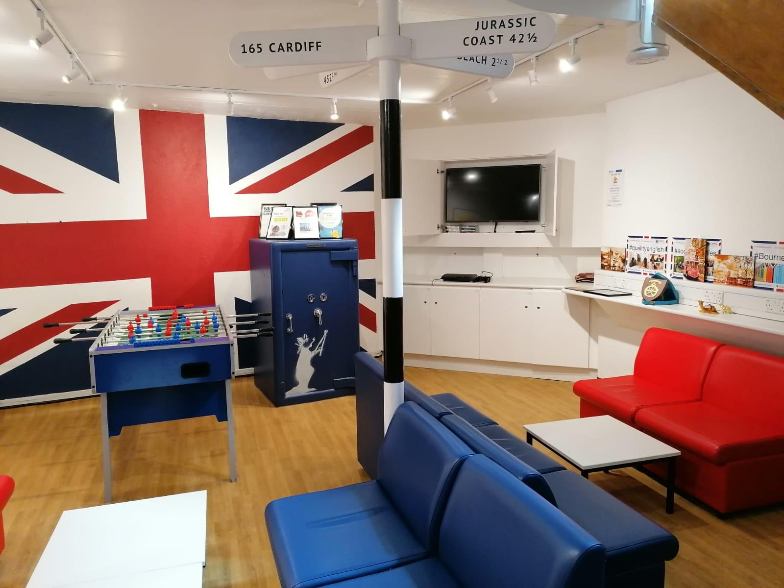 Escuela de Bournemouth estudia inglés