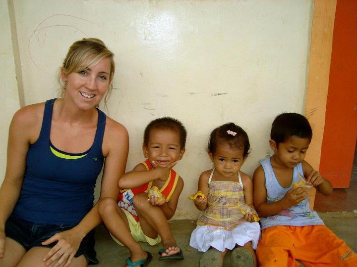 Voluntariado con niños en Filipinas