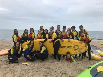 Campamento de surf con inmersion en familia