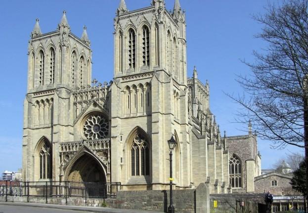 Catedral de Brístol y estudiar inglés en el extranjero