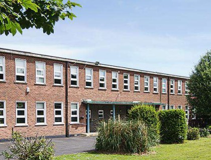 """Colegio público en Irlanda """"Manor House"""""""