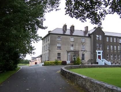 "Colegio público en Irlanda ""Marist College Athlone"""