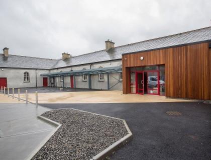 """Colegio público en Irlanda """"St Brigids Callan"""""""